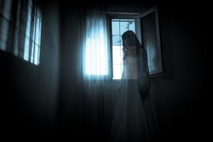 ghost-shutterstock-117156934-webonly1
